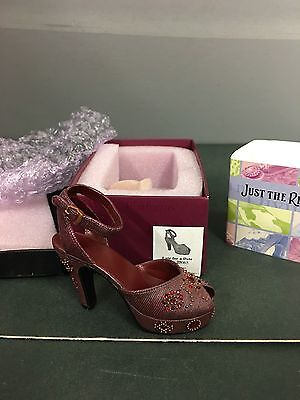 2000 Raine - Just The Right Shoe - Late For A Date - NIB