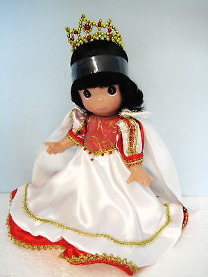 "Precious Moments Disney Enchanted Christmas Snow White 9"" Doll #3462"