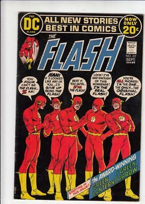 Flash # 217  strict  VF/NM  1st Green Lantern and Green Arrow back-up series beg