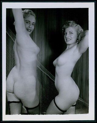Pinup pin up nude woman TWO busty big breasts girls original c1950s photo bb
