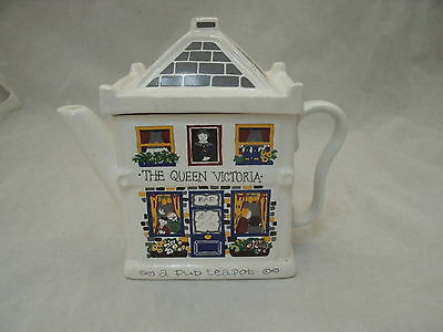 Wade ENGLISH LIFE Queen Victoria a Pub Teapot Barry Smith & Barbara Wooton EC