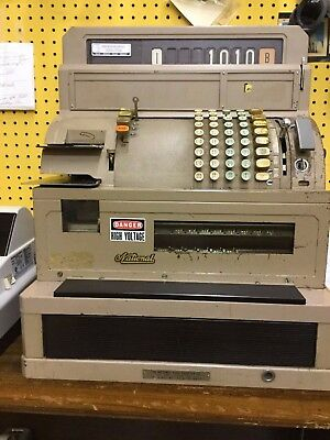National Cash Register Class 6000 Works Nice Condition