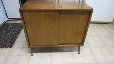 Vintage Mid Century Modern Wood Record Player / Record Cabinet W/ Tapered  Legs