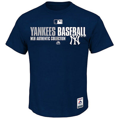 """New York Yankees Officially Licenced MLB Team T shirt - Small chest  34-36"""""""