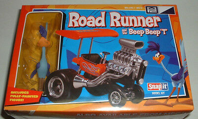 "ROAD RUNNER and the BEEP BEEP T Dragster w/ 4"" Painted Figure New / Sealed 2011"