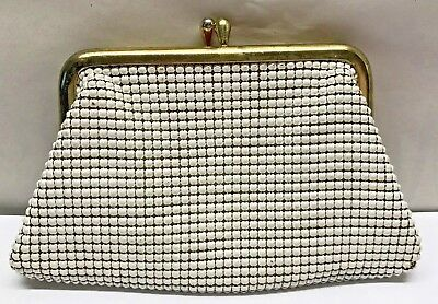 Vintage WHITING And DAVIS Metal Mesh Art Deco change purse coin bag White Gold