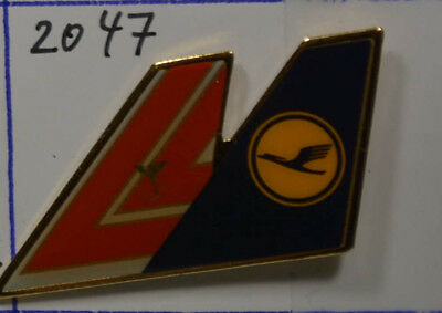 LUFTHANSA  - United Airlines   PIN Badge    3,5  x 2  cm    (AN2047)