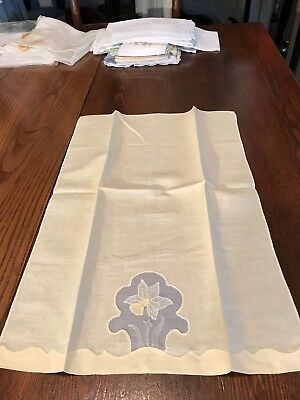 Vintage Madeira Hand Embroidery Linen Guest Towel/Daffodil Flower