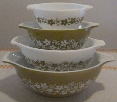 Set of 4 PYREX CINDERELLA MIXING BOWLS Crazy Daisy Spring Blossom Made in USA