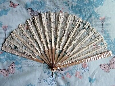 Antique Mother Of Pearl And Lace Folding Hand Fan