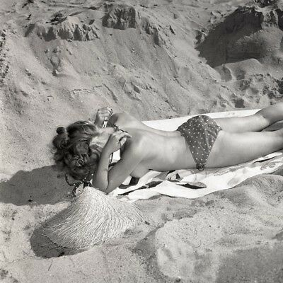"""E-3 STUNNING LAURA VICKERS 1966 2¼"""" NUDE NEGATIVE GORGEOUS BLOND by RON VOGEL"""
