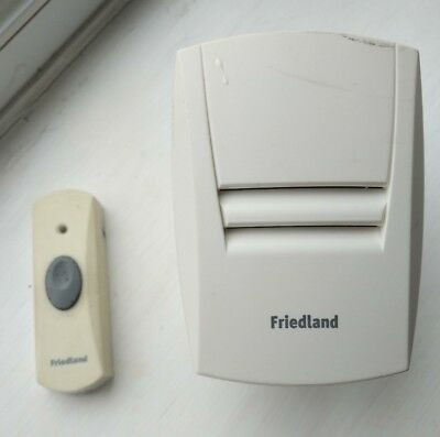 Friedland EVO 46409PL plug-in door chime, with wireless bell-push