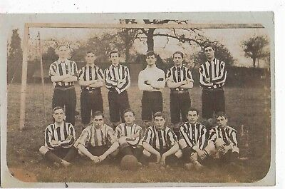Football - R/p - Postcard Of Football Team (No Details), Posted Hendon, N.w.1910