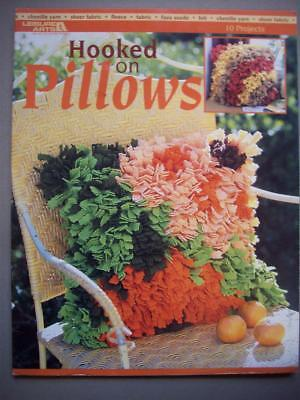 Hooked on Pillows latch hook graph and pillowcover patterns