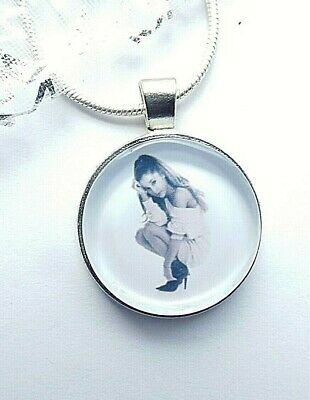 ARIANA  GRANDE SINGER  DANCE POP MUSIC NECKLACE 18 INCHES  5 TO 8 YEAR GIFT BOX