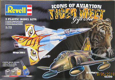 Revell 05709 GIFT SET ICONS OF AVIATION TIGER MEET