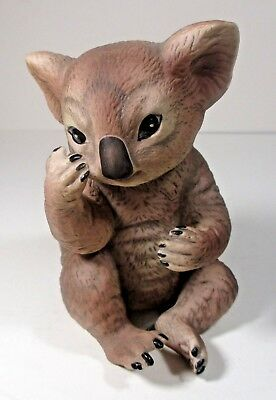"(R.J.) Brown Mexico R.S.L. bisque Koala Bear signed c. 1979 4"" ᵃ j2"