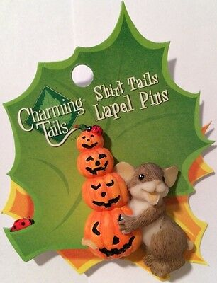 Charming Tails MOUSE & STACKED PUMPKINS Halloween Themed Lapel Pin RETIRED