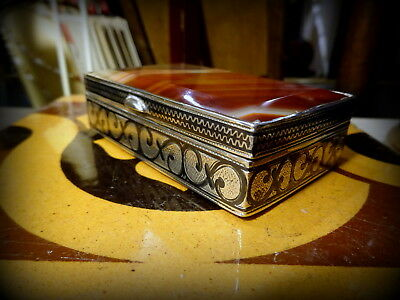 A Beautiful Antique Banded Agate & Niello Snuff Box A/F