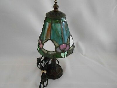 FINE Vintage STAINED LEADED GLASS Small Tiffany Style Colorful Lamp/Light!