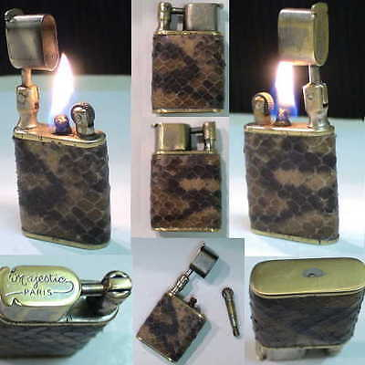 BRIQUET Ancien ( MAJESTIC Paris en Serpent ) Vintage wick LIGHTER Feuerzeug