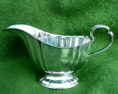 Large Stylish Sterling Silver Gravy / Sauce Boat - Sheffield 1904 - 5.73 Troy Oz