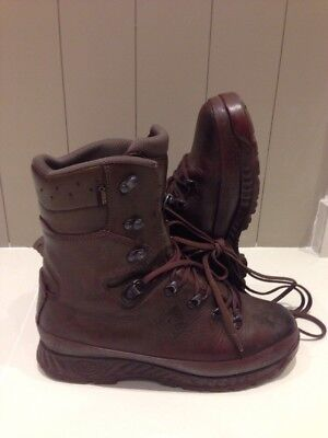 Size 10 W brown cold wet weather haix boots!very good condition! Fantastic!