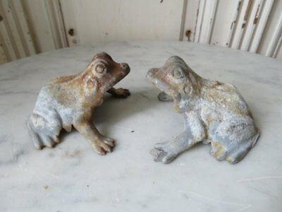 PAIR FABULOUS Little Old Vintage CAST METAL FROGS Frog Time Worn Great PATINA