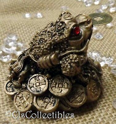 """3 Leg Money Frog Sitting on Coins with Coin Red Gift Bag Gold Resin 2""""∫42109.A"""