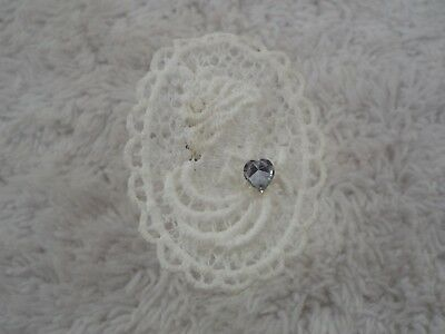 White Crochet Lace Lady Cameo Pin (C18)