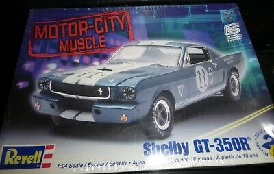 REVELL 85-4203 1970 FORD Mustang MACH I 1//24 Model Car Mountain FS SPECIAL