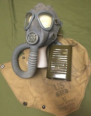 COLLECTIBLE Vintage World War II Era US Army Chemical Corps M3A1 Gas Mask & Bag