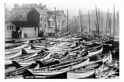 pt4580 - Whitby , Fishing Boats in the Harbour , Yorkshire - photo 6x4