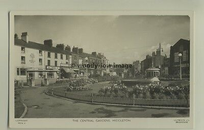 tp6212 - Lancs -  Central Gardens & the Roebuck Hotel, in Middleton  - Postcard