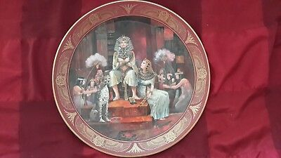 Ex Cond Royal Doulton 'the Coronation Of Tutankhamen' 10.5 Inch Bone China Plate