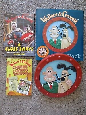 Wallace & Gromit Lot of 3  Wall Clock Cheese Lovers Yearbook  A Close Shave book