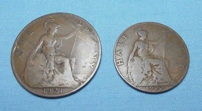 Great Britain 1921 Penny KM 810 and a 1922 Half Penny KM 809 - Two Coins