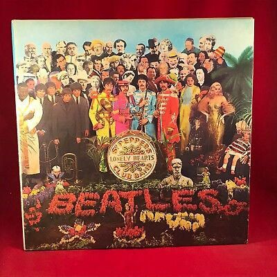 THE BEATLES Sgt. Pepper's Lonely Hearts Club Band 1980 Italian Vinyl LP + INSERT