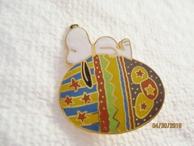 Vintage Snoopy Laying on Easter Egg Pin -- Peanuts