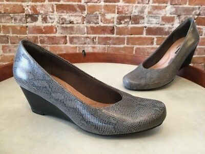 25ca46a2 CLARKS SNAKE PRINT Leather Flores Tulip Wedge Pump New