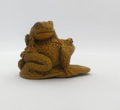 Collectible Boxwood Carved Japanese Handmade  Frogs Netsuke  Figurine  - Estate