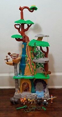 Disney Lion Guard Training Lair Playset with Figures