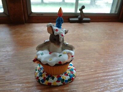 Charming Tails Birthday Cupcake  HAPPY BIRTHDAY SURPRISE 89/117 GC