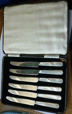 Quality Boxed set of 6 SILVER PLATED & MOTHER OF PEARL (MOP) BUTTER KNIVES