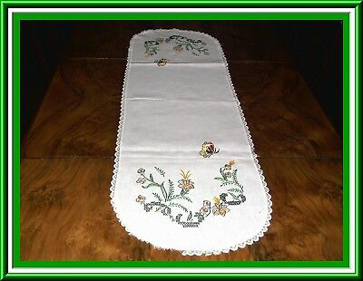 Lovely Vintage Hand Embroidered Table Runner Or Bureau Scarf
