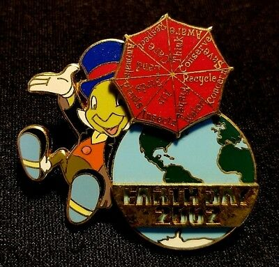 Retired 2002 Disney Wdw Earth Day Jiminy Cricket & Spinning Umbrella Pin Le 5000