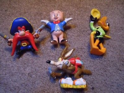 Vintage Looney Tunes  PVC Figure  lot (4) Wile E Coyote,Daffy Duck, Porky, Sam