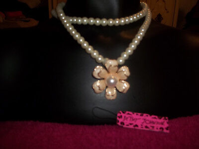 NEW white faux pearls W/floral design flower Bib chain Statement Necklace 17""