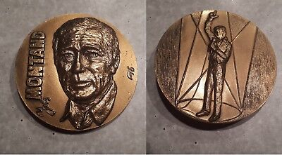tres BELLE MEDAILLE BRONZE YVES MONTAND SIGNE LOVY