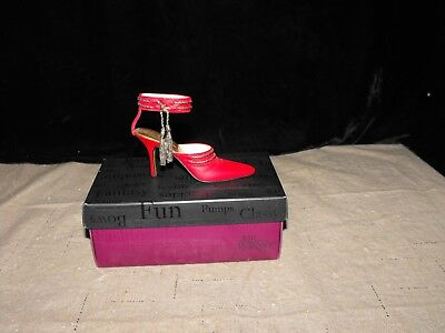 """JUST THE RIGHT SHOE Lady in Red  """"UPTOWN SWING """" #25313 w/BOX by RAINE (C) 2002"""